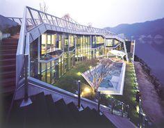 Island House by Iroje KHM Architects