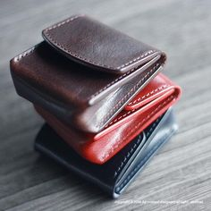 "663 Likes, 5 Comments - M.Kumagai (@admaiora_designare) on Instagram: """"regulus"" (レグルス)/ coin_case #leather #leathercraft #leatherwork #leathergoods #handmade #革…"""