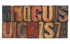 Resultados de la Búsqueda de imágenes de Google de http://us.123rf.com/400wm/400/400/pixelsaway/pixelsaway1204/pixelsaway120400002/12980893-letters-and-numbers--isolated-vintage-letterpress-wood-type-abstract.jpg