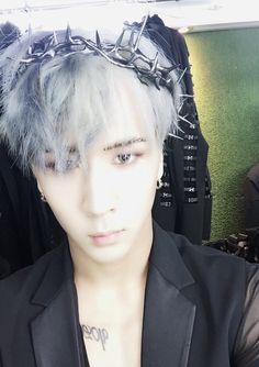 He looks like something out of mythology :3