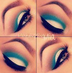 Blue & White Eye Makeup