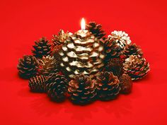 Its the perfect time to give yourself a little bit of seasonal cheer by decorating your desktop with beautiful Christmas wallpapers. Cheap Christmas Trees, Christmas Candle Decorations, How To Make Christmas Tree, Christmas Candles, Christmas Lights, Christmas Crafts, Christmas Ornaments, Cactus Wall Art, Pine Cone Crafts