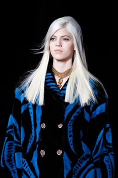 Versace Fall 2014 inspired Carrie Eldridge / Glitter and Force 2 http://fqoto.com/fqoto-aw2014-15-019-carrie-eldridge--glitter-and-force-2.html