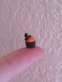 :: Crafty :: Clay ☾☾ Halloween ☾☾ Miniature Autumn Figure & Food ☾☾  Halloween cupcake by MeganHess