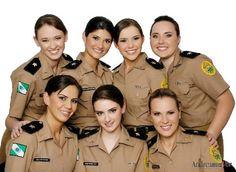 Tenentes Gisele Lopes, Francielle Hoflinger, Maitê Baldan, Larissa Cristina Tonolli e Amanda Quadros da Polícia Militar do Paraná.  http://blogdojosecarlosfarina.blogspot.com.br/2013_01_26_archive.html