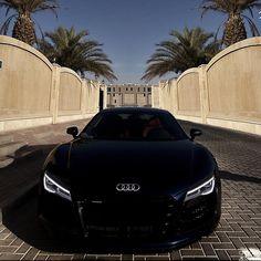 What a killer face! #Audi