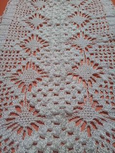 Crochet Doilies, Yarn Crafts, Blanket, Rugs, Crochet Horse, Crochet Stars, Spiders, Treadmills, Apron