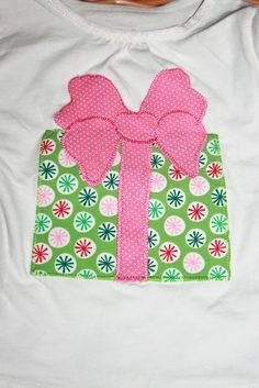 Christmas Shirt Cute Christmas Shirts, Christmas Dresses, Christmas Clothes, Christmas Jumpers, Christmas Sewing, Christmas Projects, Sewing Crafts, Sewing Projects, Pink Carpet