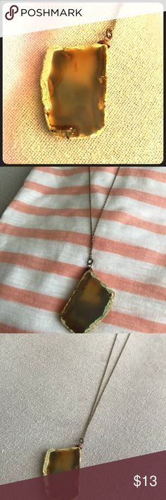 Bronze Agate 18 inch Necklace Gorgeous paired with rose gold jewelry, this fashion piece makes a statement! Bronze neutral goes with almost every color and pairs well with other jewelry effortlessly! New without tags! Jewelry Necklaces