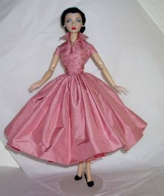 Taffeta Shirtwaist for 15 Gene Doll by boguesvogues on Etsy, $90.00  Typical Bogue's!  Look at the detail of that fabric!