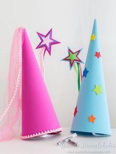 """Kit para hadas y magos con gorro, varita y """"polvo mágico"""" Crazy Hat Day, Crazy Hats, Diy And Crafts, Crafts For Kids, Arts And Crafts, Fairy Birthday Party, Birthday Parties, Diy Y Manualidades, Barbie Party"""