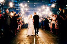 Create an unforgettable sendoff for the lovely couple with Sparklers! wedding by agoodaffair.com