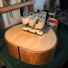 1000 images about how to make guitar on pinterest acoustic guitars guitar building and. Black Bedroom Furniture Sets. Home Design Ideas