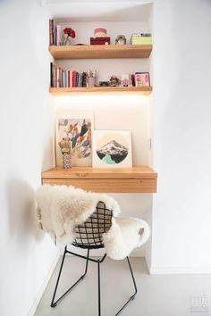 Departamento CONESA: Estudio de estilo  por Trua arqruitectura Home Office Design, Home Office Decor, Diy Home Decor, Desk Nook, Office Nook, Small Home Offices, Aesthetic Room Decor, New Room, Room Decor Bedroom