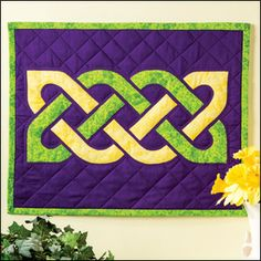 Quilt Patterns in the Current Issue of Quilter's World ~ Celtic Knot Wall Hanging Designed & Quilted By Raymond Houston This reversible applique technique, done by machine, is an alternative to the time-consuming hand-stitching method.