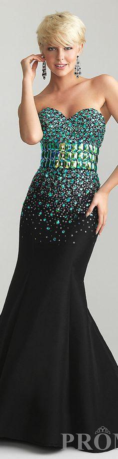 Gece Bejeweled Sevgiliye Elbise Allure taşır