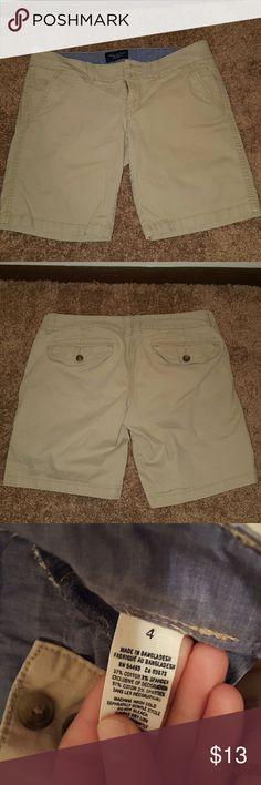 Khaki Bermuda Shorts From American Eagle. Size 4 bermuda shorts. American Eagle Outfitters Shorts Bermudas