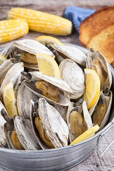Summer party idea: A traditional clambake. Here are our tips & tricks for throwing a fabulous clambake - perfect for a birthday, shower, or just because.