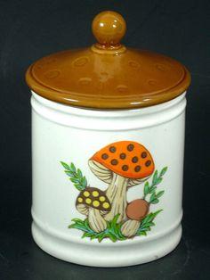 Sears Merry Mushroom Tea Canister Vintage 1982 #SearsRoebuckCo #Canister Tea Canisters, Kitchen Canisters, Mushroom Tea, Vintage Kitchen Accessories, Alice In Wonderland, Stuffed Mushrooms, Merry, Jar, Ceramics