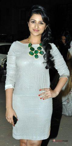 Pervert'Diary - Page 109 Bollywood Actors, Bollywood Fashion, Hot Actresses, Indian Actresses, Sweet Girl Photo, Parneeti Chopra, Priyanka Chopra Hot, Alia Bhatt Cute, Photos Hd