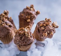 Serving suggestion: Serve in sugar cones with extra peanut brittle sprinkled over.
