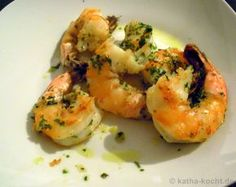 Tapas - king prawns in garlic oil - Katha cooks!- Are you looking for a delicious tapas recipe with shrimp? Then you shouldn't miss my fried king prawns in garlic oil – have a look! Chicken Snacks, Oven Chicken, Chicken Wraps, Tapas Recipes, Shrimp Recipes, Chicken Recipes, Healthy Recipes, Drink Recipes, Fall Appetizers