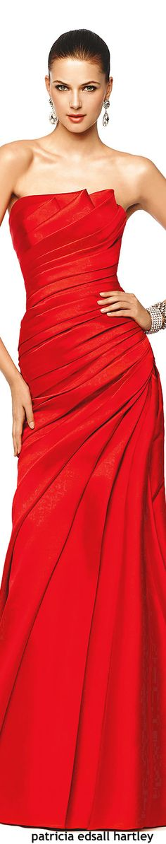 Pronovias  2015. Lady in Red