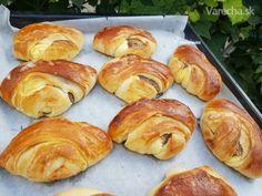 Orechovo-tvarohové koláče (fotorecept) - Recept Pretzel Bites, Bread, Cooking, Food, Recipes, Bending, Hampers, Kitchen, Brot