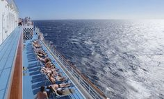 Risteilymatkustaminen on joillekin intohimo. Hyvä esimerkki laivamatkailulle sydämensä menettäneistä on Passionate Traveller - blogin Kirsi. Sydney Harbour Bridge, Travel, Viajes, Destinations, Traveling, Trips