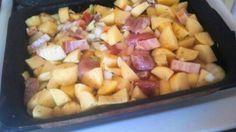 Ez egy olyan tepsis hús recept, amit elővehetünk egy rohanós napon, amikor nincs időnk a tűzhely fölött ácsorogni, mégis szeretnénk valami finomságot tenni az asztalra. Egy ízletes tepsis hús recept következik, ami az én nagy kedvencem a takarítós napokon. :)