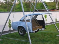Creative reuse for an old car body! a car swing how awesome .- Creative reuse for an old car body! a car swing how awesome is this love it! Creative reuse for an old car body! a car swing how awesome is this love it! Cool Ideas, Creative Ideas, Diy Ideas, Decor Ideas, Cool Swings, Cool Inventions, My New Room, Jacuzzi, Old Cars