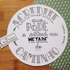 Acredite que pode Word Doodles, Hand Lettering Art, Writing Fonts, Chalk Drawings, Diy Letters, Lettering Tutorial, Posca, Calligraphy Letters, Letter Art