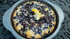 Skinny Sweets Daily: Skinny Blueberry Crunch Cake. A great cake for breakfast, snack or dessert. Only 3 Weight Watchers points per slice. YUM!