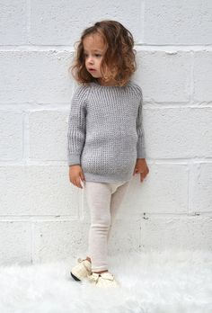 The cutest knitwear — mini style Little Baby Girl, Baby Kids, Toddler Fashion, Girl Fashion, Kids Winter Fashion, Stylish Kids, Summer Kids, Kids Wear, Baby Knitting