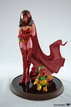 scarlet witch comiquette - sideshow collectibles