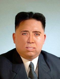 Kim Jong un-recognizable: A photo of Kim Jong-un in a full face of makeup is sweeping soci. Nicolas Cage, Daft Punk, Michelle Obama, Wtf Funny, Hilarious, Funny Memes, Never Not Funny, Crazy Funny Pictures, Kim Jung