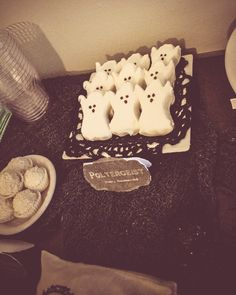 Ghost marshmallows at a Halloween Party #Halloween #party