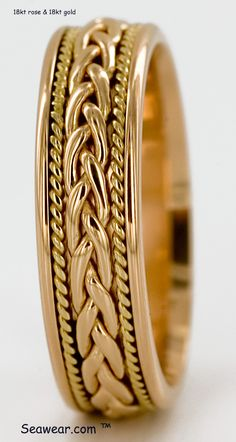 Hand woven wedding rings in white, yellow and rose golds of and platinum. Mens Ring Designs, Gold Ring Designs, Gold Bangles Design, Gold Jewellery Design, Gold Rings Jewelry, Moon Jewelry, Jewelery, Gold Finger Rings, Gold Mangalsutra Designs