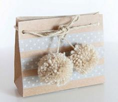 Washi Tape & Pom Pom Gift Wrapping. Get the Grey Dotted #Washi Tape here: http://washitapes.nl/