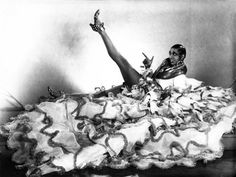 MÉXICO, D.F. (apro).- El próximo 3 de junio se cumplirían 109 años del nacimiento de la gran diva negra estadunidense Joséphine Baker (St. Louis, Missouri, 1906), quien a mediados de los fabulosos ...