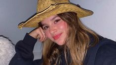 I loove her smile🥺 Julianna Grace Leblanc, Hayley Leblanc, Annie Grace, Annie Lablanc, Girl Celebrities, Celebs, Pretty People, Beautiful People, Divas