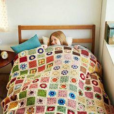 ふんわり編みながら学べる約5時間お花を編みつないであなただけの1点ものを。|やわらかなぬくもりを大きくつないで かぎ針編みお花モチーフの会
