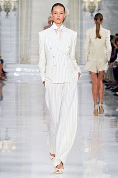 I love this suit! I have never worn a white pinstriped suit but I want one.