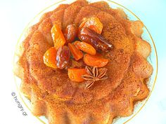 A friend of mine who is Greek makes this and it is so tasty! Sweet Recipes, Cake Recipes, Dessert Recipes, Desserts, Eat Greek, Semolina Cake, Greek Sweets, Sweet Treats, Tasty