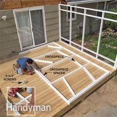 The pergola kits are the easiest and quickest way to build a garden pergola. There are lots of do it yourself pergola kits available to you so that anyone could easily put them together to construct a new structure at their backyard. Screened Porch Designs, Screened In Patio, Backyard Patio, Enclosed Patio, Construction Veranda, Building A Porch, Building Plans, Diy Deck, House With Porch