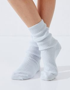 Bedtime can't come soon enough when there's a pair of these heavenly cashmere bed socks waiting to keep off the chill. Exquisitely soft, these socks are a Frilly Socks, Cashmere Socks, Bed Socks, Warm Socks, Comfy Socks, Knit Socks, Sock Shop, Rachel Green, The White Company