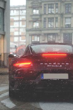 "Luxury Cars Bugatti Expensive Bentley 4 Door Tesla Maserati Ferrari Audi Cadillac Lamborghini Porsche 👉 Get Your FREE Guide ""The Best Ways To Make Money Online"" Porsche Gt2 Rs, Porsche Cars, Porsche 2017, Mercedes Auto, 911 Turbo S, Fancy Cars, Cool Cars, Audi R8, Porsche Sportwagen"
