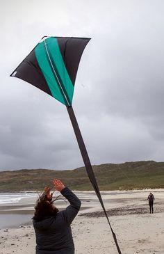guz rainbow diamond kite for kid and adult, Best for Beach and Summer Fun guz company