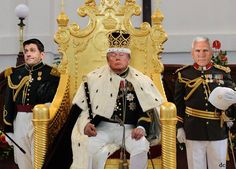 """The order has been placed for a """"Yuge"""" and enhanced Golden Throne, Sceptre and presentable uniforms for the higher underling lackies in the court!!"""