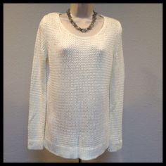 💞HP💞 GAP Scoop Neck Pullover Sweater Off White GAP Scoop Neck Pullover Sweater - Off White Size Medium. In good used condition. Beautiful soft texture knit sweater is so comfortable & cute. It has a little bit of stretch (but not too much). 100% Acrylic. Perfect for chilly days, or for layering.   🏆 Suggested User 💗Bundles 👍🏼Reasonable Offers 🚭 Smoke Free ☠NO TRADES☠ GAP Sweaters Crew & Scoop Necks